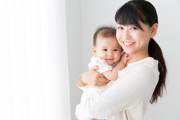 保育士と子供